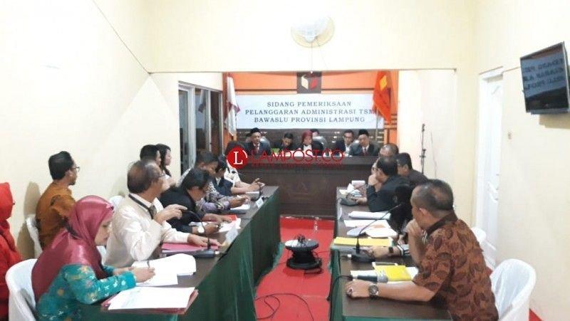 Sidang Pemeriksaan Pelanggaran Administrasi TSM Bawaslu Provinsi Lampung, Jumat (6/7/2018). Foto: Triyadi Isworo
